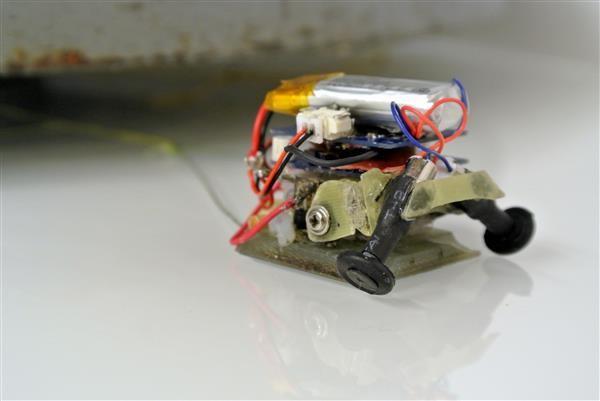 En Microtugs är en robot som kan dra 200 gånger mer än sin vikt.